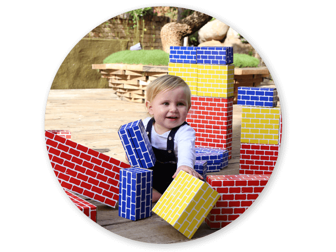 Toddlers' early block play - Corrugated Blocks